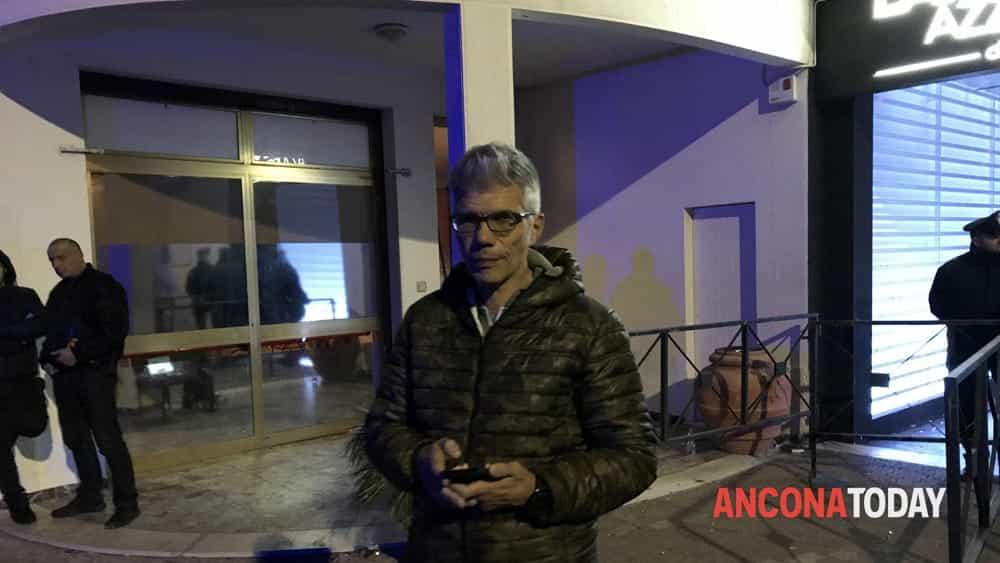 Il pm Paolo Gubinelli fuori dalla Lanterna Azzurra-2