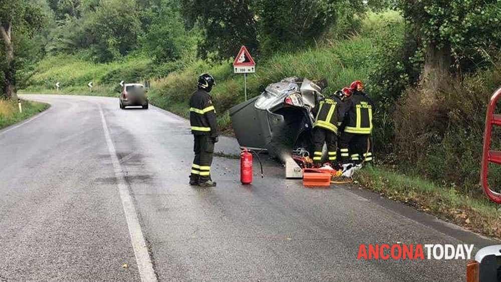 Incidente stradale a Ripe2-2