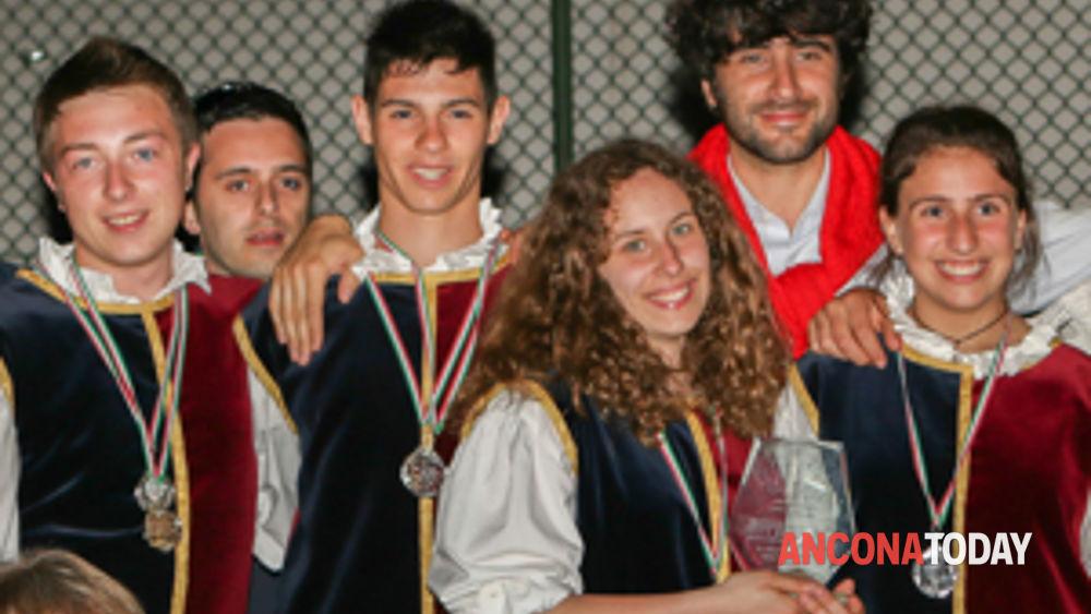 corinaldo: il combusta revixi sale sul podio dei campionati nazionali sbandieratori e musici under18 -4