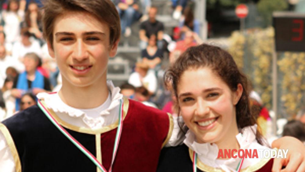 corinaldo: il combusta revixi sale sul podio dei campionati nazionali sbandieratori e musici under18 -2