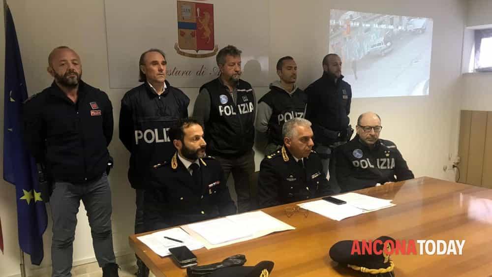 Conferenza stampa polizia opoerazione piano san lazzaro-2