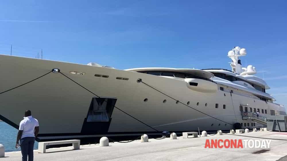pelorus yacht abramovich ancona 2-2
