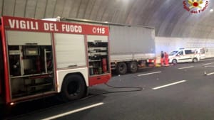 incidente tamponamento mortale in A14 - Credit Vdf1-3