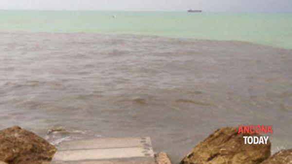 ffalconara: sversamenti in mare. il sindaco intervenga immediatamente!-2