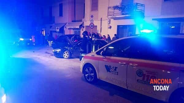 I soccorsi e le auto distrutte: le immagini dell'incidente - GUARDA IL VIDEO
