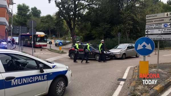 Incidente con l'auto dei carabinieri 2-2