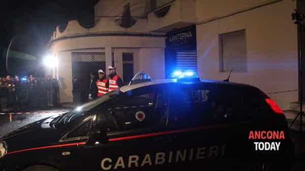 Carabinieri davanti alla Lanterna Azzurra per la fiaccolata per le vittime di Corinaldo 14 dicembre 201816-2