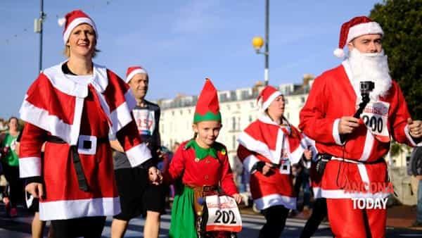 Corsa dei Babbi Natale: la solidarietà sfreccia sulle slitte da corsa