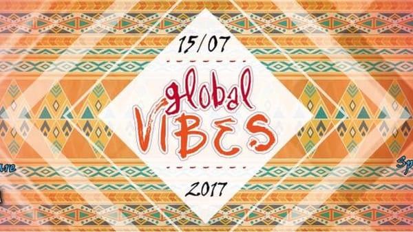 """Ritmi afro al Mamare: """"Global vibes"""" accende la spiaggia"""