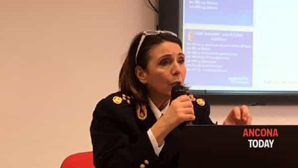 cinzia grucci dirigente polizia postale marche-2