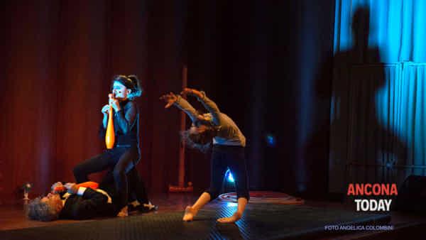 Sonata per tubi di Nando e Malia: torna Tout le cirque allo Sperimentale