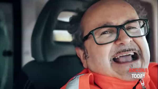 Soccorso da ridere con il milite improvvisato: che spasso lo spot della Croce Gialla | VIDEO