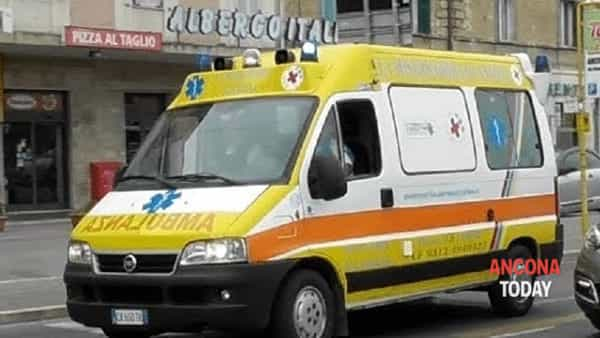 "Un'ambulanza de ""La Misericordia Ancona"""