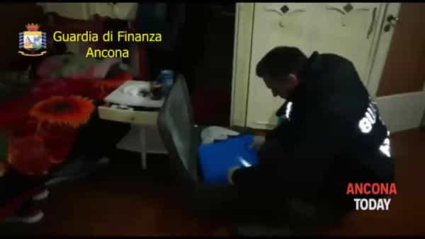 Caporalato nei cantieri navali, il blitz della Guardia di finanza | VIDEO