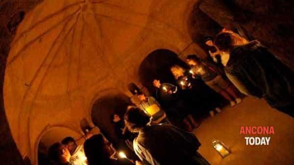 Emozioni nell'oscurità: torna la paura nelle grotte di Camerano