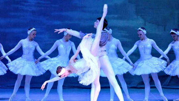 Lago dei cigni: il balletto di San Pietroburgo approda a Fabriano