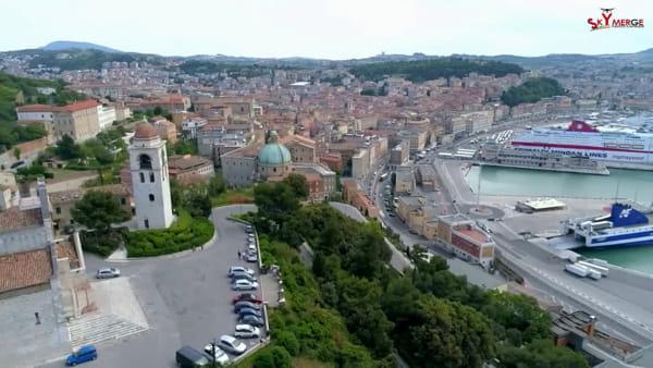 Fausto vola su Ancona e la racconta in due minuti - GUARDA IL VIDEO