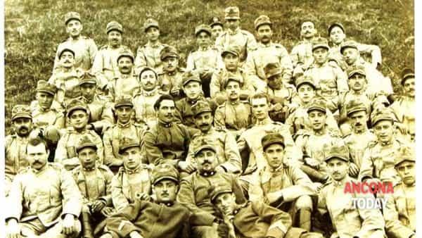"""""""Nel luogo della memoria"""": testimonianze della Grande Guerra nei documenti dell'Archivio di Stato di Ancona"""