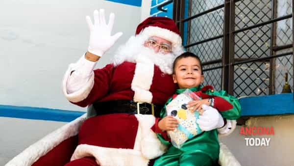 Natale a Staffolo: i bimbi possono visitare le case del Grinch e di Babbo Natale