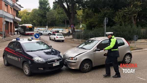 Incidente con l'auto dei carabinieri 3-2