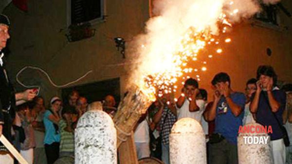corinaldo: sabato e domenica il clou della xxxv contesa del pozzo della polenta-2
