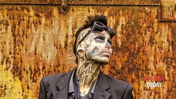 Zombie walk in day: tatuaggi senza appuntamento per la notte di Halloween