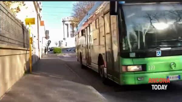 Ancona vista dal bus: «Troppa gente in giro, noi autisti abbiamo paura» | VIDEO