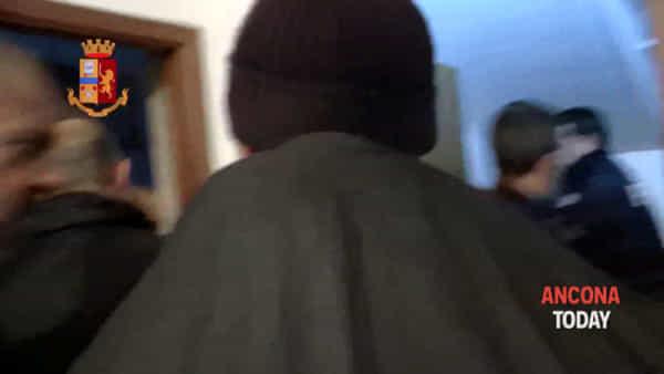 Operazione San Lazzaro: gli appostamenti, le perquisizioni e gli arresti – VIDEO