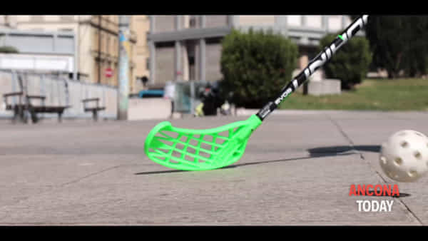Weelchair Hockey in piazza con i Dolphins, il lancio dell'evento - VIDEO