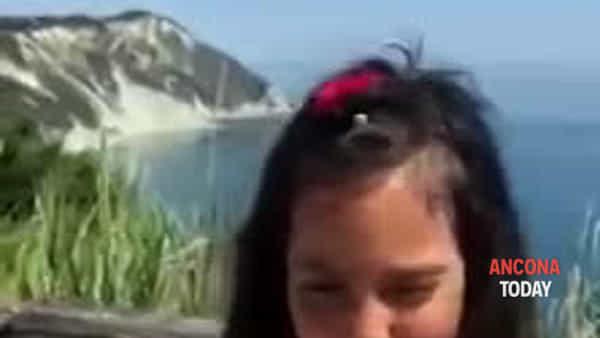 «Ho 6 anni e vi dico: venite nelle Marche!» lo spot di Paola impazza sul web | VIDEO