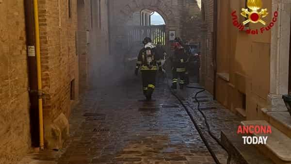 Incendio auto Filottrano3-2