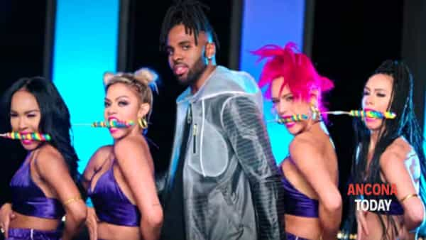 "Jason Derulo: il re di ""Swalla"" si scatena in pista"