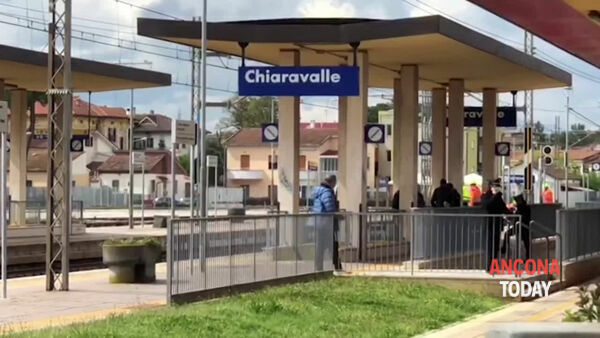 Investimento mortale, 18enne travolto dal treno merci | VIDEO