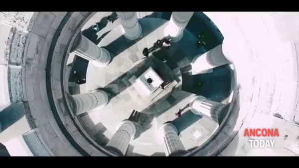 Passetto, la perfezione delle forme vista ad alta quota | VIDEO