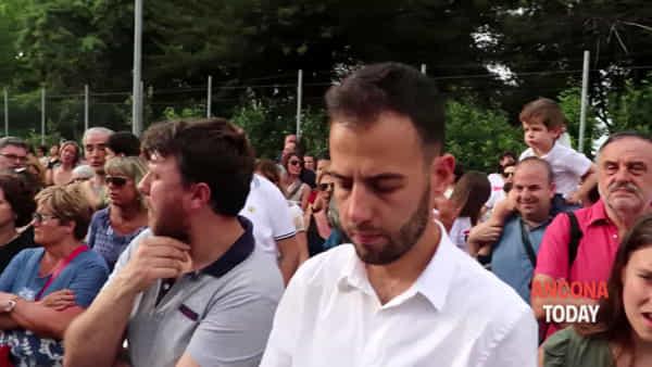 La storica scuola riapre i battenti e diventa Hi-Tech, folla per le Mercantini 2.0 - VIDEO