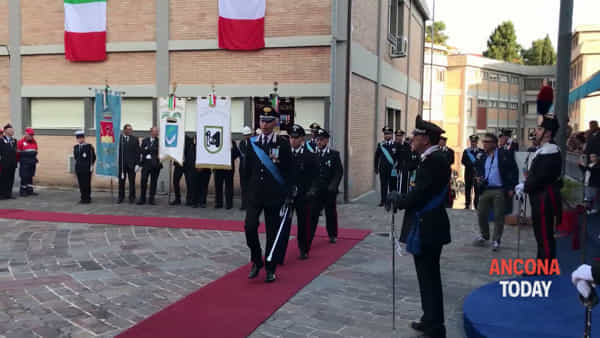 Carabinieri in festa, la cerimonia e le onorificenze - GUARDA IL VIDEO