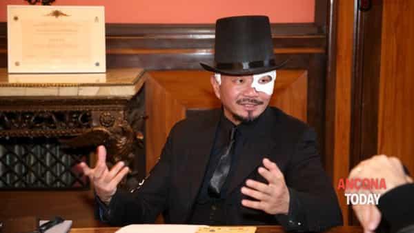 Jesi si maschera: l'art nouveau ispira il ricco calendario