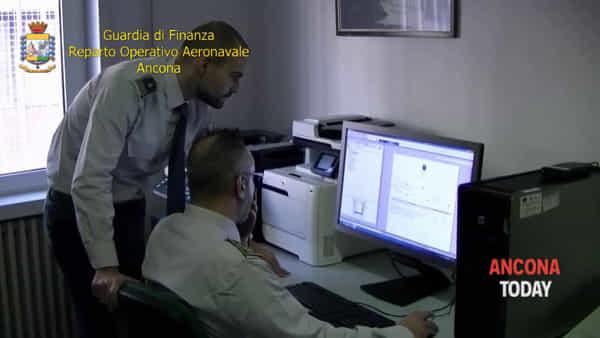 Barche da sogno nascoste al fisco, in porto arriva la Guardia di Finanza | VIDEO